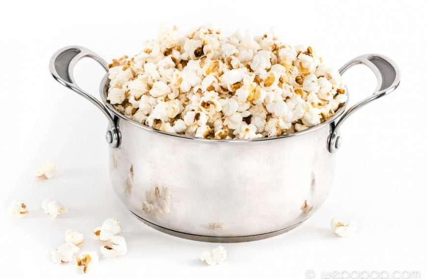 WePoPoP:s metod för att poppa popcorn i kastrull