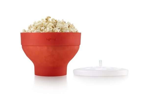 En micropopconrskål i värmetålig platinumsilikon som är till för att poppa popcorn i micron. När man enkelt vill poppa popcorn hemma, på jobbet, på resande fot eller helt enkelt inte har tillgång till en platta och bra kastrull kan det här vara ett bra alternativ. Produktspecifikation 20 cm i dia Volym 2,8 l 10 års garanti BPA Free 100% Platinum Silicone